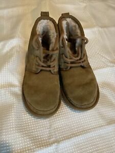 Brown suade boots boys ugg Sz 1, 118
