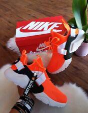 697dfd0885e0 Size 6 WOMEN S Nike Air Max Huarache City Low Just Do It AO3140 800 Orange  neon