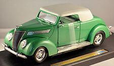 Ford De Luxe Convertible 1937 vert vert métallisé 1:18 Yat Ming