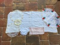 Lot Vintage Linens Linen Table Runner Doily Antimacassar 22917 Embroidered