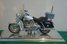 Model Arkansas State Police Harley Davidson Motorcycle, in very good condition.