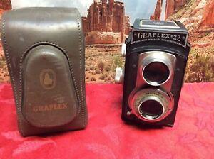 Vintage Graflex 22 Twin Lens Reflex  Camera w/ Graflex 85mm f/3.5 Lens With Case
