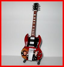 AC/DC GUITARE MINIATURE Angus Young Portrait + Logo Red SG Hard Rock Heavy Metal
