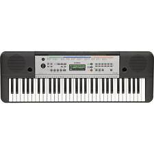 Pianos et claviers sans marque