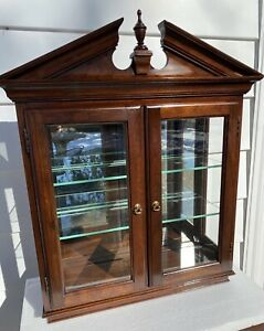 Very Rare! Ethan Allen Georgian Court Hanging Wall Curio Display Cabinet 11-3032