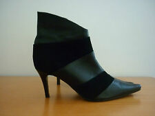 "WOMEN'S ""MAGNINI"" BLACK LEATHER & SUEDE ZIP UP ANKLE HEEL BOOTS - SIZE 37"