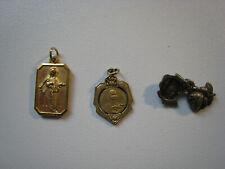 lot de médailles religieuses