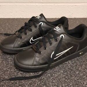 Nike Air Court Tradition uk size 5 New