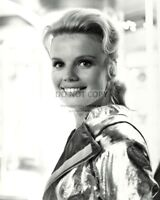 "MARTA KRISTEN AS JUDY ROBINSON ""LOST IN SPACE"" - 8X10 PUBLICITY PHOTO (DA-642)"