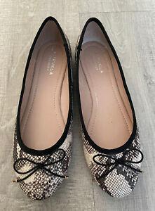 CARVELA KURT GEIGER. Flat Snake Print Shoes. Size 40. Uk 7.