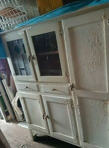 Vintage Kitchen Cabinet / Hutch / Kitchen Dresser