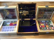 Fly tying kit, Rotary Vice and 14 tools, 144 Spools, Fly tying materials.