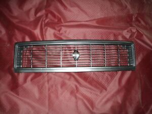 1969 80 90 Renault 12 Grille and Emblem for Double Sealed beam type