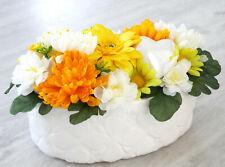 Blumengesteck gelb orange weiß Herz Jardiniere Tischgesteck Seideblumen Schale