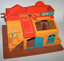 Vintage 1982 Fisher-Price Little People Family Western Town #934 Old West