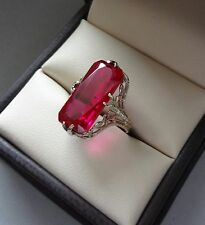 LOVELY ANTIQUE 14K WHITE GOLD FILIGREE RING W/ ELONGATED RED STONE - 4 GRAMS