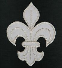 Ecusson Patch thermocollant brodé FLEUR DE LYS ROYALE Royal symbol -blanc argent