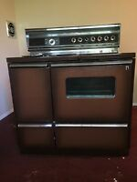 *****LOOK*****vintage GE stove 1971 immaculate condition local pickup only