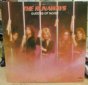 """THE RUNAWAYS PROMO RECORD """"QUEENS OF NOISE"""" 1977 MERCURY WITH LYRIC  INNERSLEEVE"""