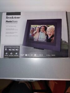 "BROOKSTONE PHOTOSHARE CLOUD FRAME 10.1"" HD DISPLAY 8 GB INTERNAL MEMORY VVV 468"