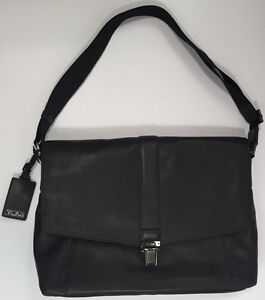 Tumi SOMERSET Leather MESSENGER Beacon Hill Laptop Computer Bag Black 68570 $395