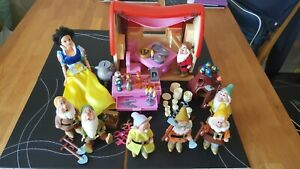 Disney Snow White and 7 Dwarves plus cottage / house,  Rare