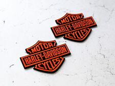 2x HARLEY DAVIDSON 3d ADESIVO EMBLEMA Bar & Shield EMBLEMA SERBATOIO regalo in arancione