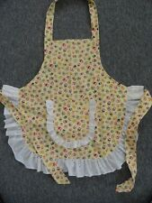CHILDS APRON  IN YELLOW & OWLS SIZE 5 - 6 - 7