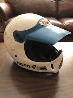 VTG BELL MOTO 4 MOTORCYCLE HELMET WHITE/BLUE