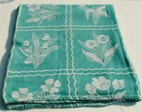 Charming 1950 Shabby Country Farmhouse Bedspread 82x74 Throw Tapestry