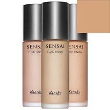 Productos de maquillaje beige Kanebo