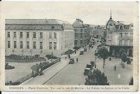 CPA 02 - SOISSONS - Place centrale - Vue sur la rue St-Martin