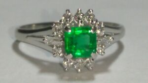 Solid platinum natural emerald and diamond ring 4.95 grams - sz 8