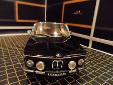 AUTOart BMW 2002 1:18  (Black)