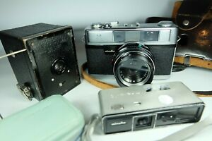3x Old Vintage Film Cameras. MINOLTA, HAWKEYE