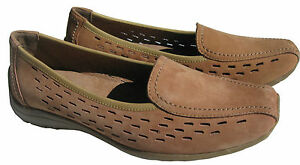 Brand new  Jemma  girls  size  6 leather  beige casual shoes.   RRP-64.95 AUD