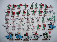 PLASTY 37 Kreuzritter + Wolfsritter + 6 Pferde Ritter Steckfiguren + Ersatzteile