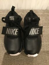 Kids Nike Team Hustle D8 Black Leather Trainers Size UK 10 EU 27.5 Velcro NEW