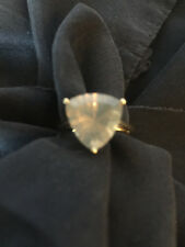 9ct Gold LAVENDER QUARTZ TRILLION RING NOW £160.00. SIZE N/O