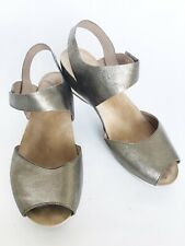 DANSKO Vera Pewter Leather Peep Toe Sandal 1520971200 Wedge Ankle Strap Size 41