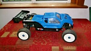 Team Associated RC8T3.1e 4WD Off Road Truggy