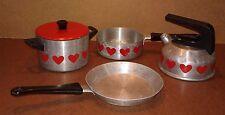 Ancienne dinette casseroles alu jouet jeu coeurs vintage old toy aluminum pan