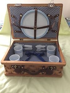 """Woven Wooden Picnic Basket w/ Leather Straps 18"""" Lined Blue/White Check Gingham"""
