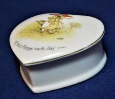 HOLLY HOBBIE Porcelain GATHER BOUQUET of NICE EACH DAY Heart Shape Trinket Box