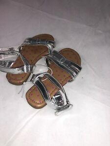 NWT Girls Toddler Piper Sandals - Silver - Toddler Size 7 Shoes