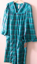 White Stag XL/XG 16/18 MicroFleece Plaid Breakfast Gown Long Sleeves 2 pockets