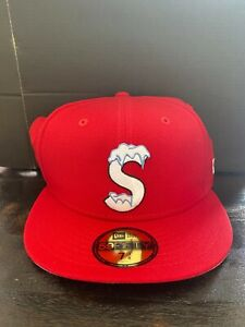 Supreme New Era S Logo Fitted Red size 7 3/8 FW20 100% Authentic