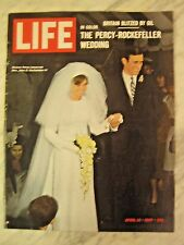 LIFE April 14 1967 C Eastwood, Twiggy, duPre, S. America TORREY CANYON OIL SPILL