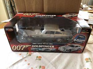 BNIB ASTON MARTIN DB5. James Bond. GOLDFINGER. 1:18 SCALE