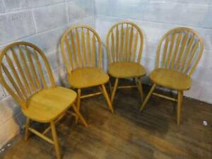 4 x MODERN SOLID BEECH SLATTED BACKED DINING CHAIRS.